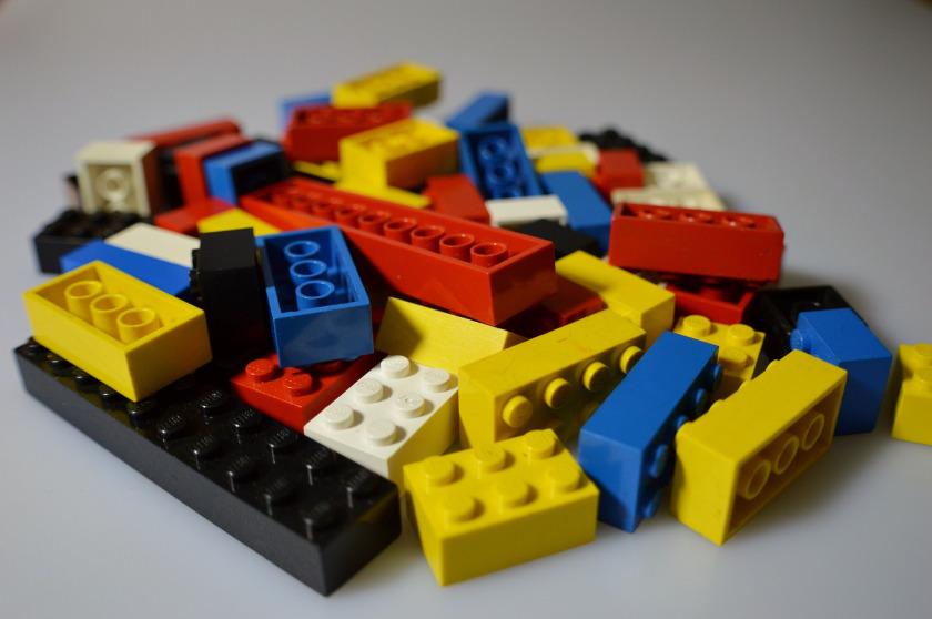 piezas lego Utiliza lego para aprender matemáticas.