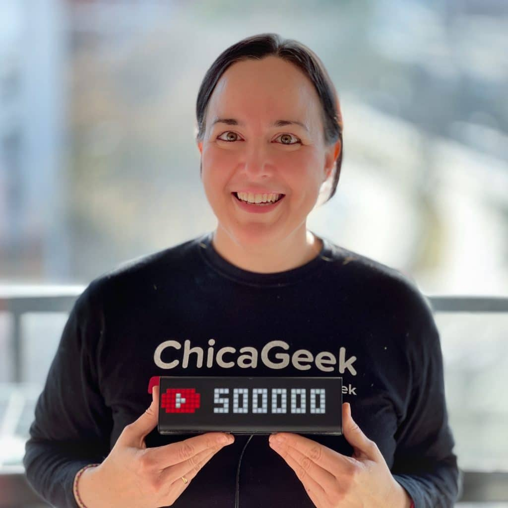 Chica Geek aprendizaje digital teletraabjo
